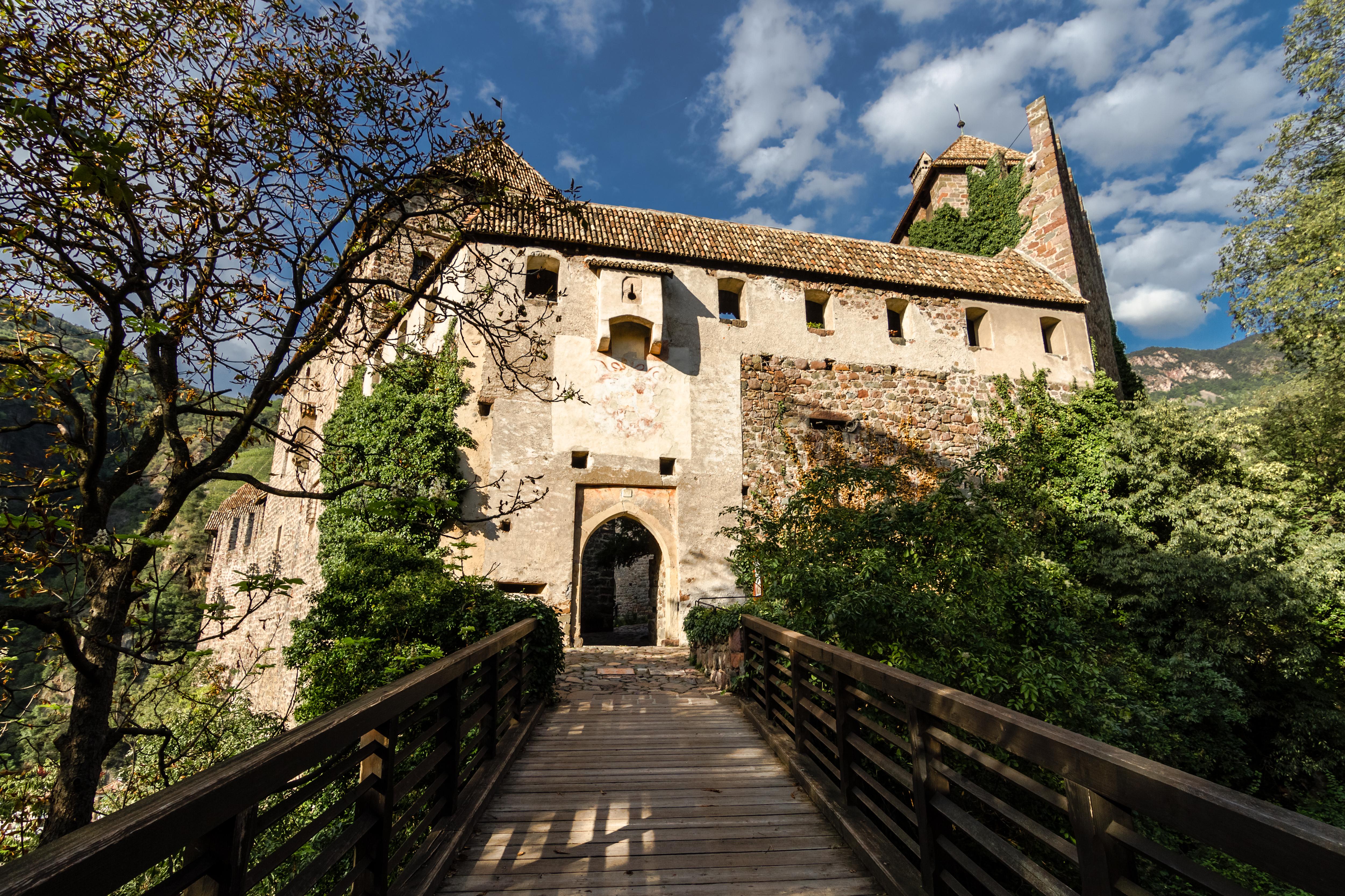 Schloss Runkelstein, die BilderburgCastel Roncolo, il maniero illustrato